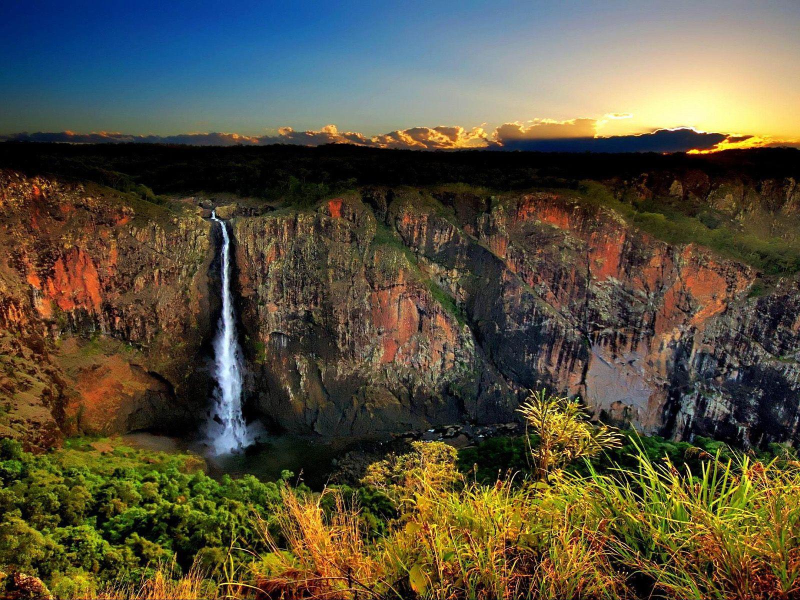 Водопад Уолламан на закате