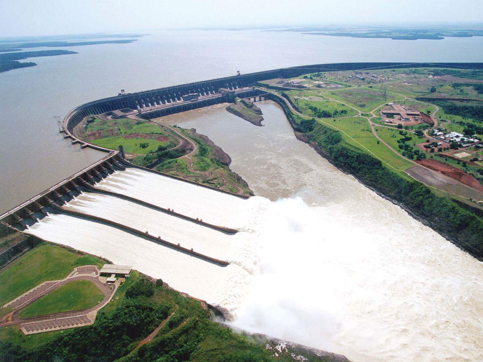 Дамба и ГЭС Итайпу