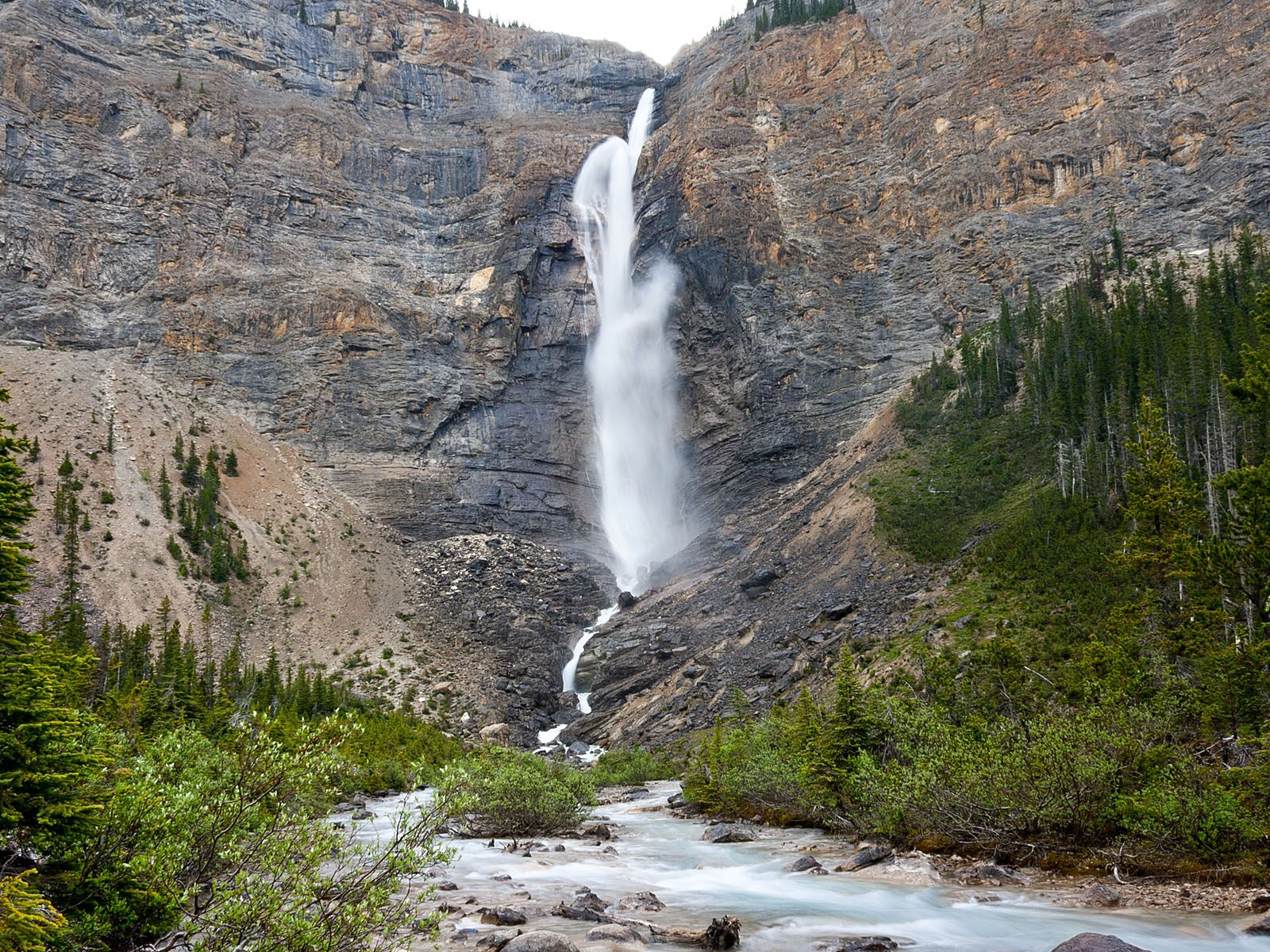 Водопад Такаккау