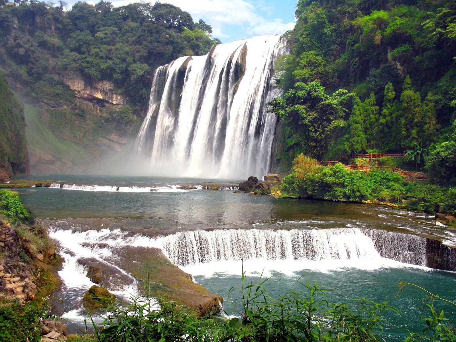 Пейзаж водопада Хуангошу