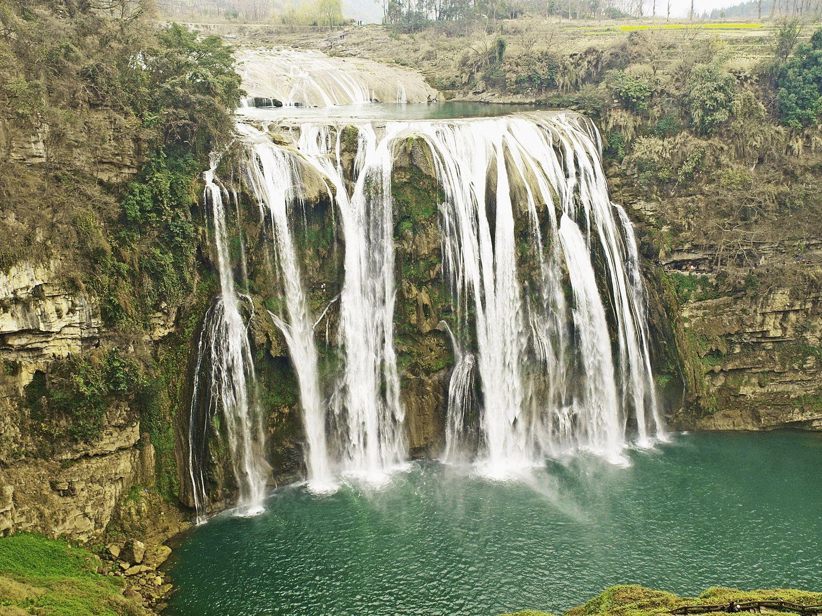 Водопад Хуангошу сверху