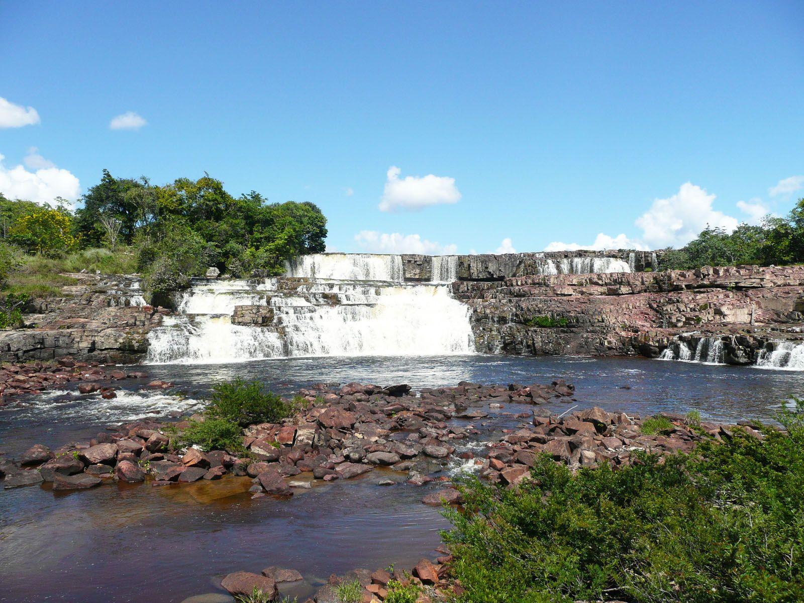 Водопад Ориндуик издалека