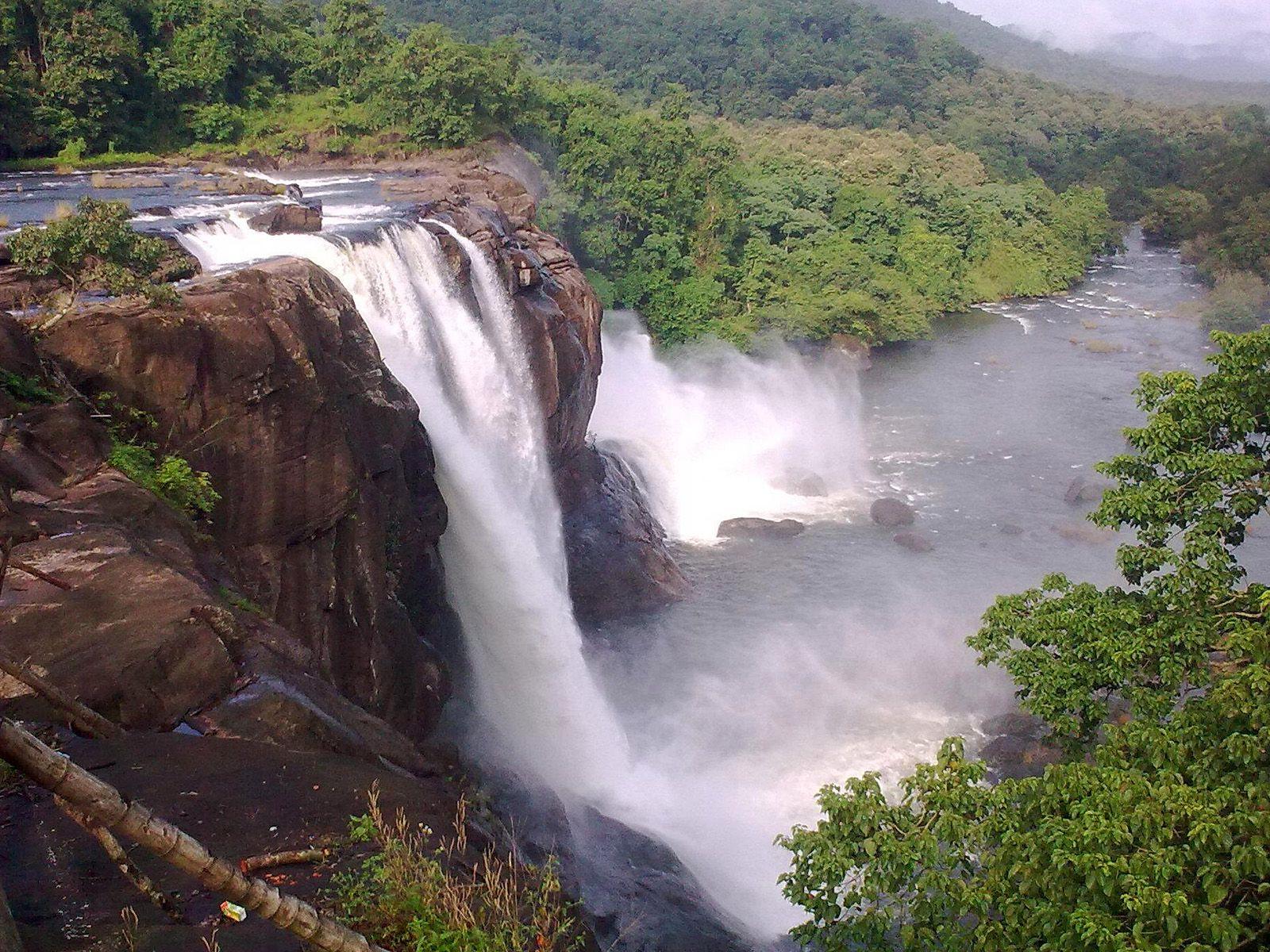 Водопад Атираппилли