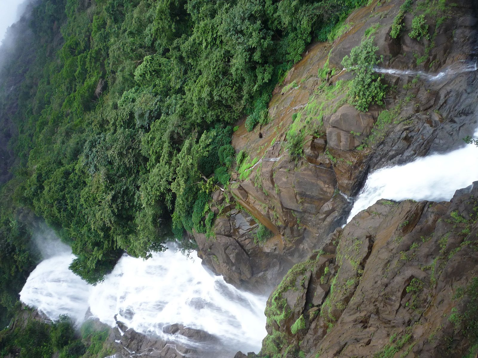 Водопад Дудсагар сверху