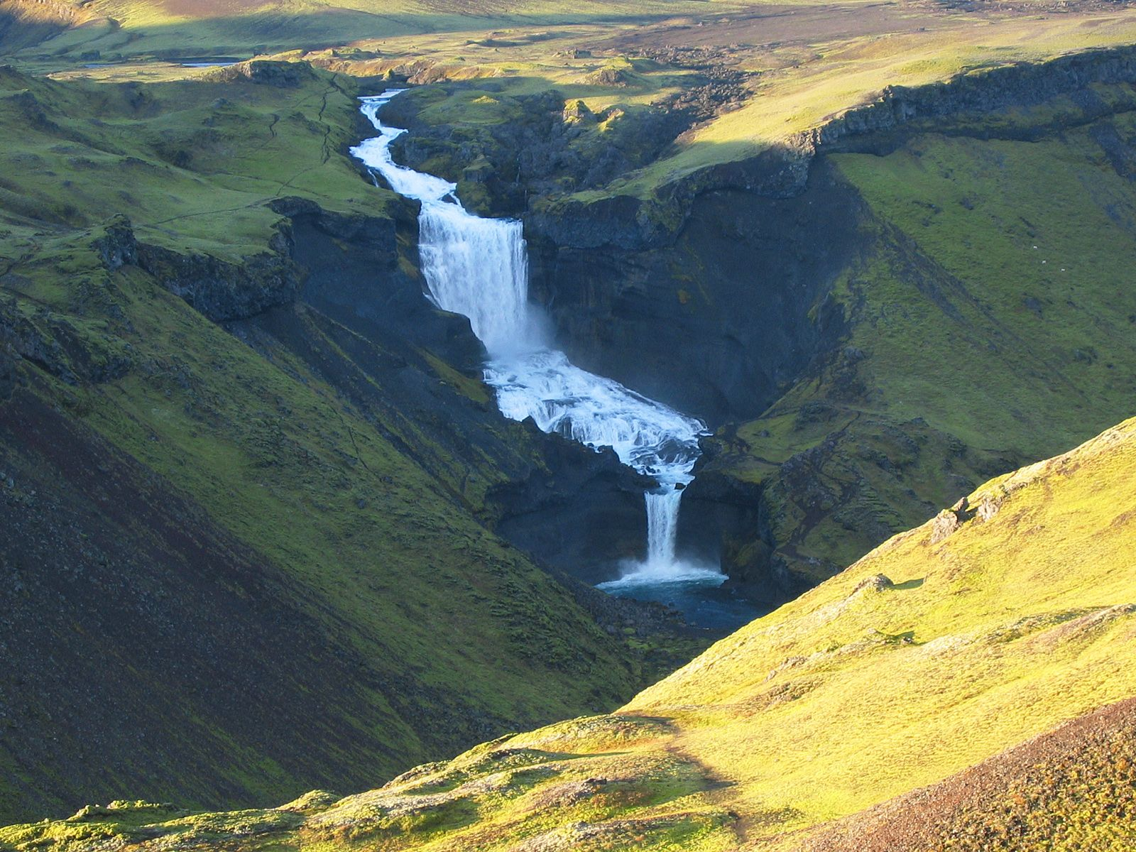 Водопад Оуфайруфосс сверху