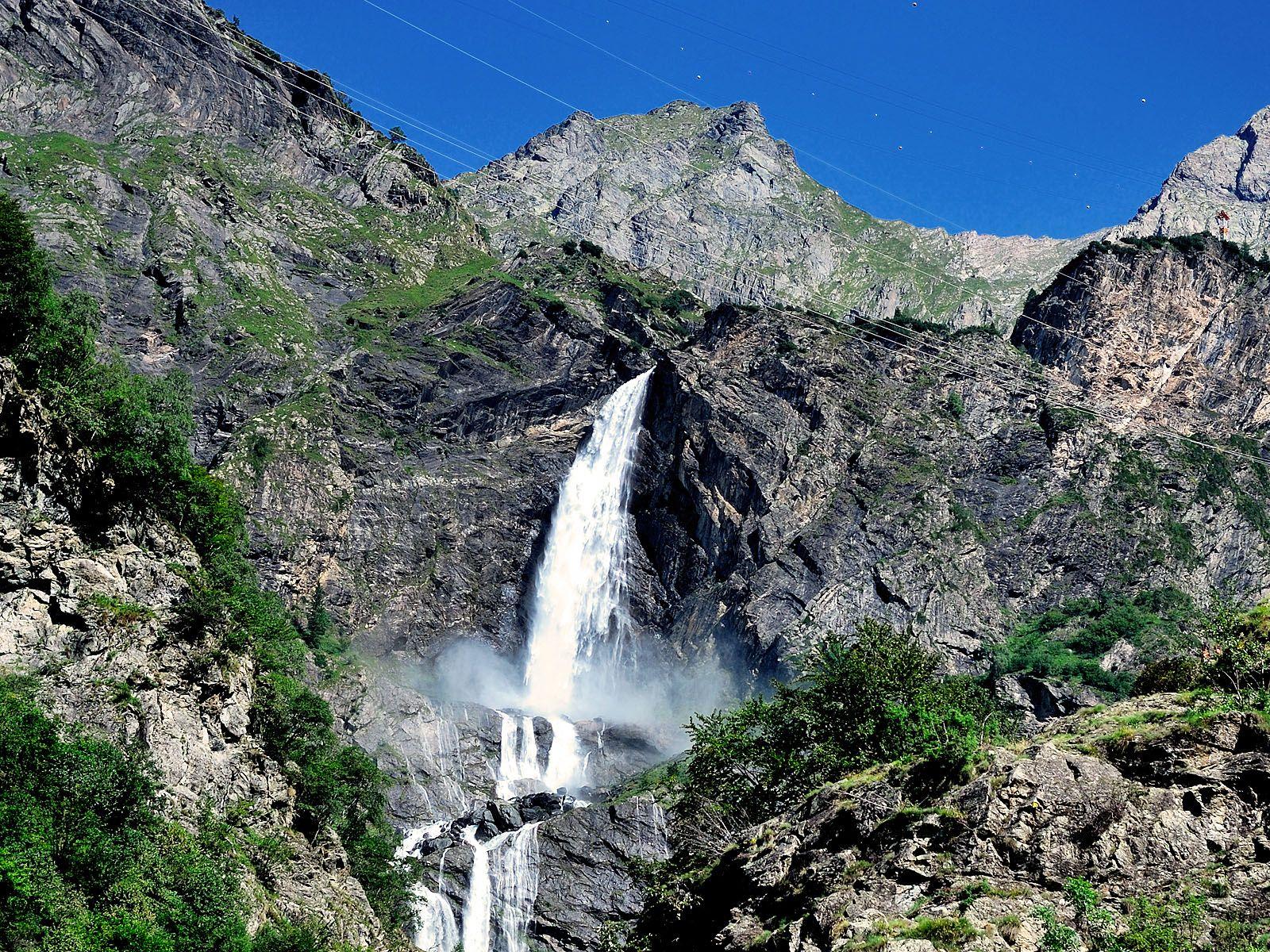 Водопад Серио