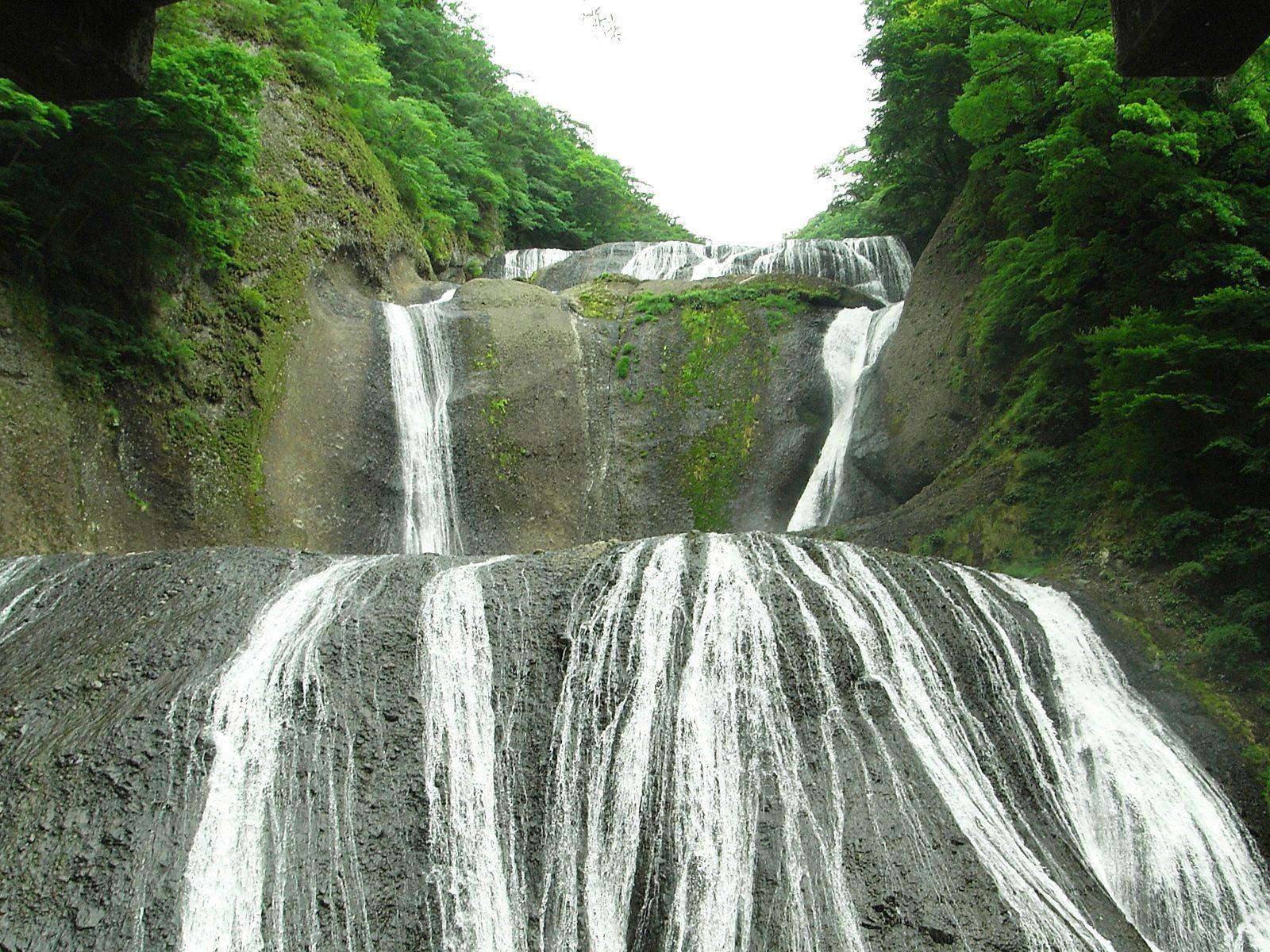 Водопад Фукурода вблизи