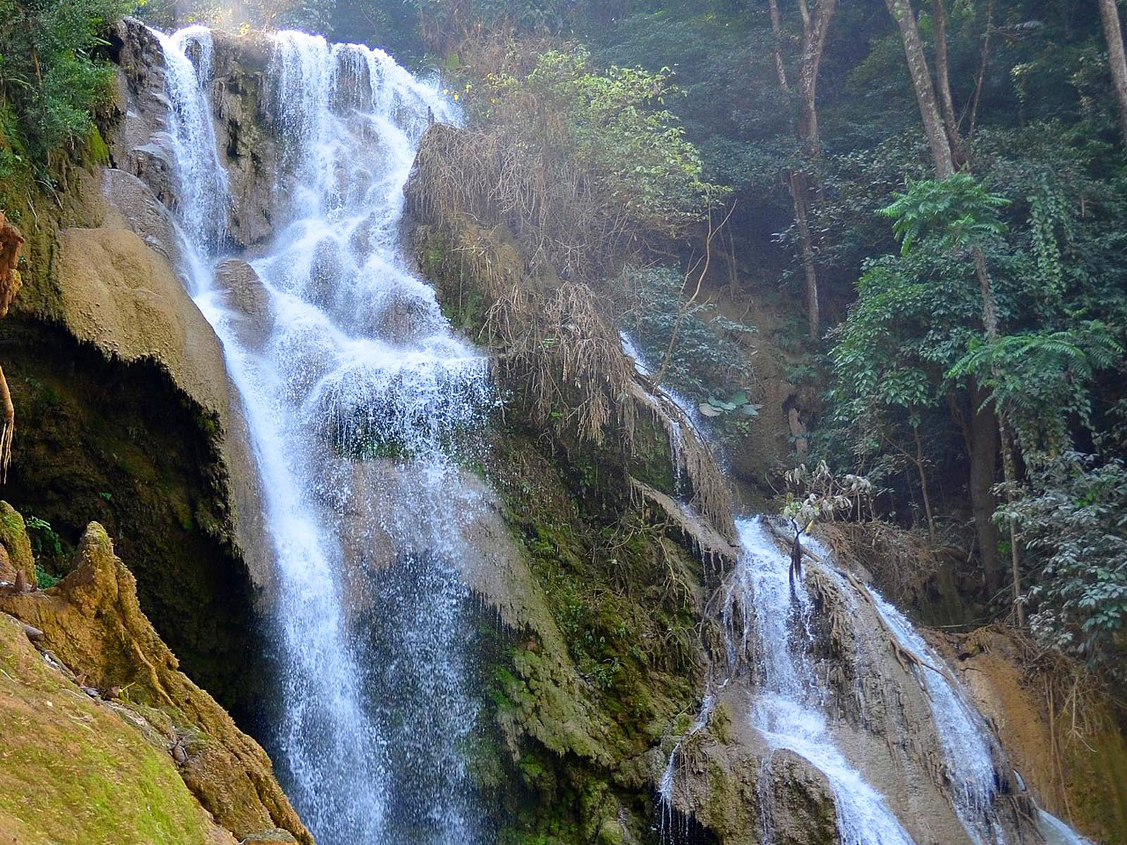 Вблизи водопада Тат Куанг Си