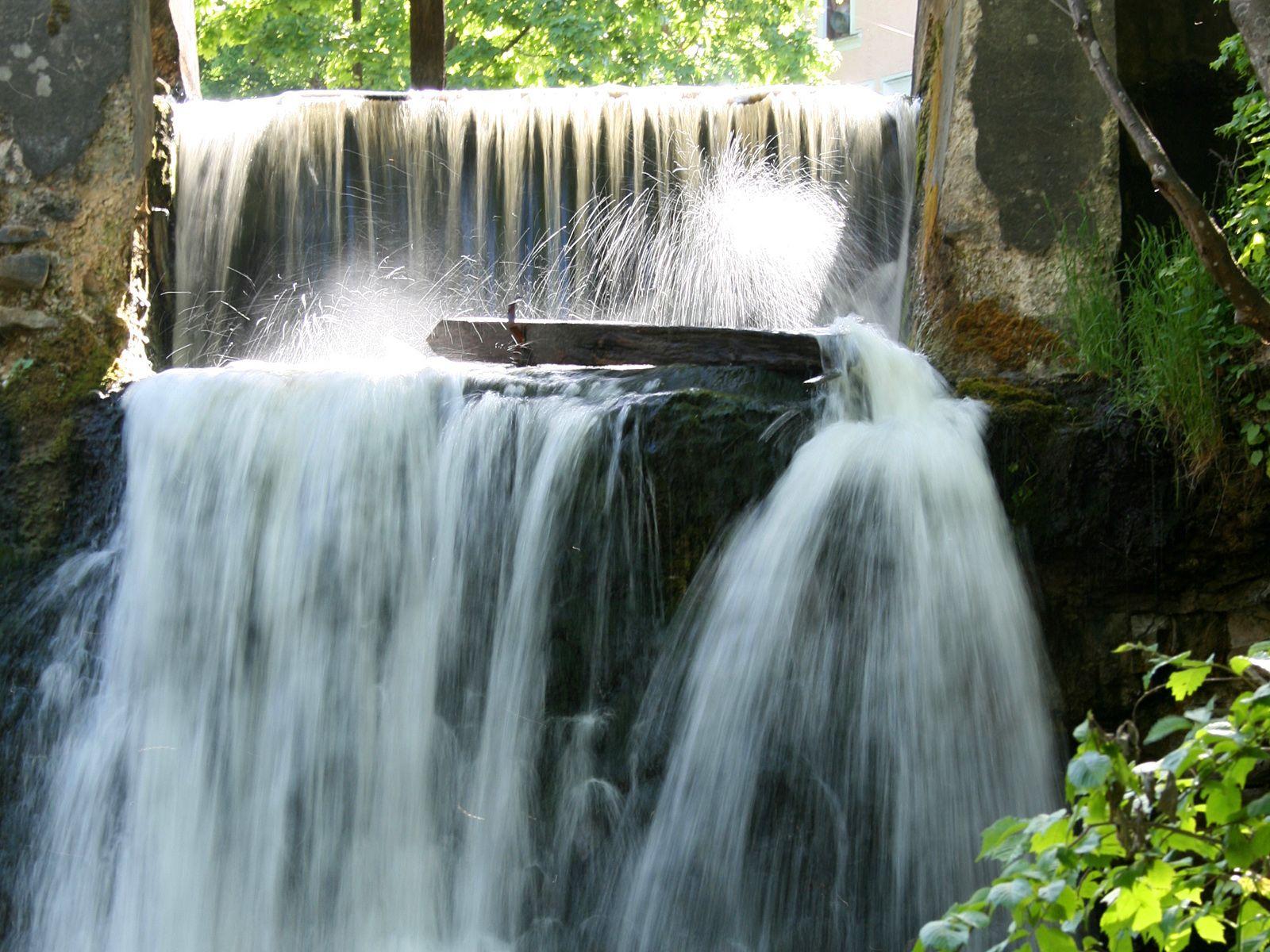 Струи Кулдигского водопада