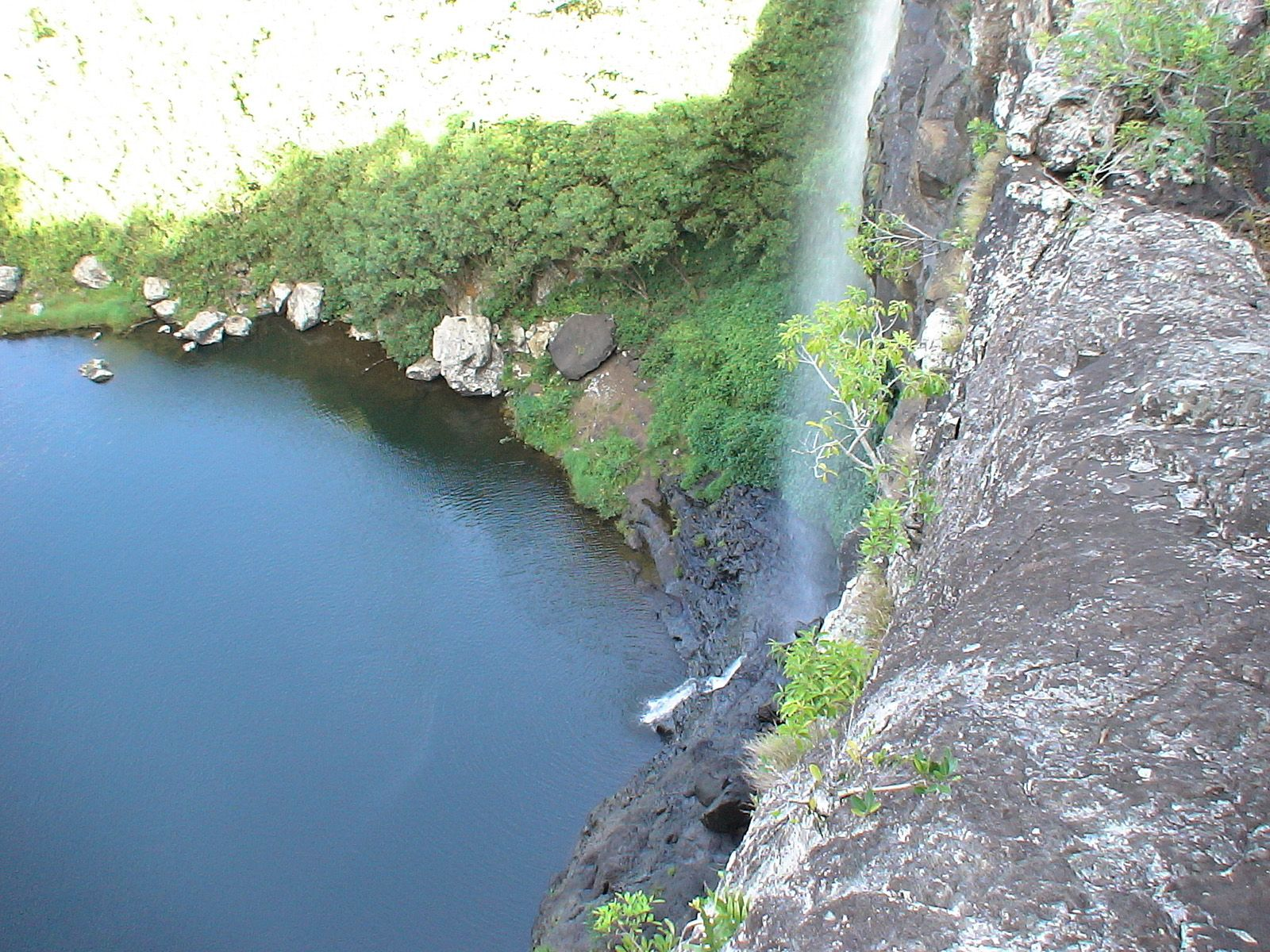 Озеро у водопада Тамарин