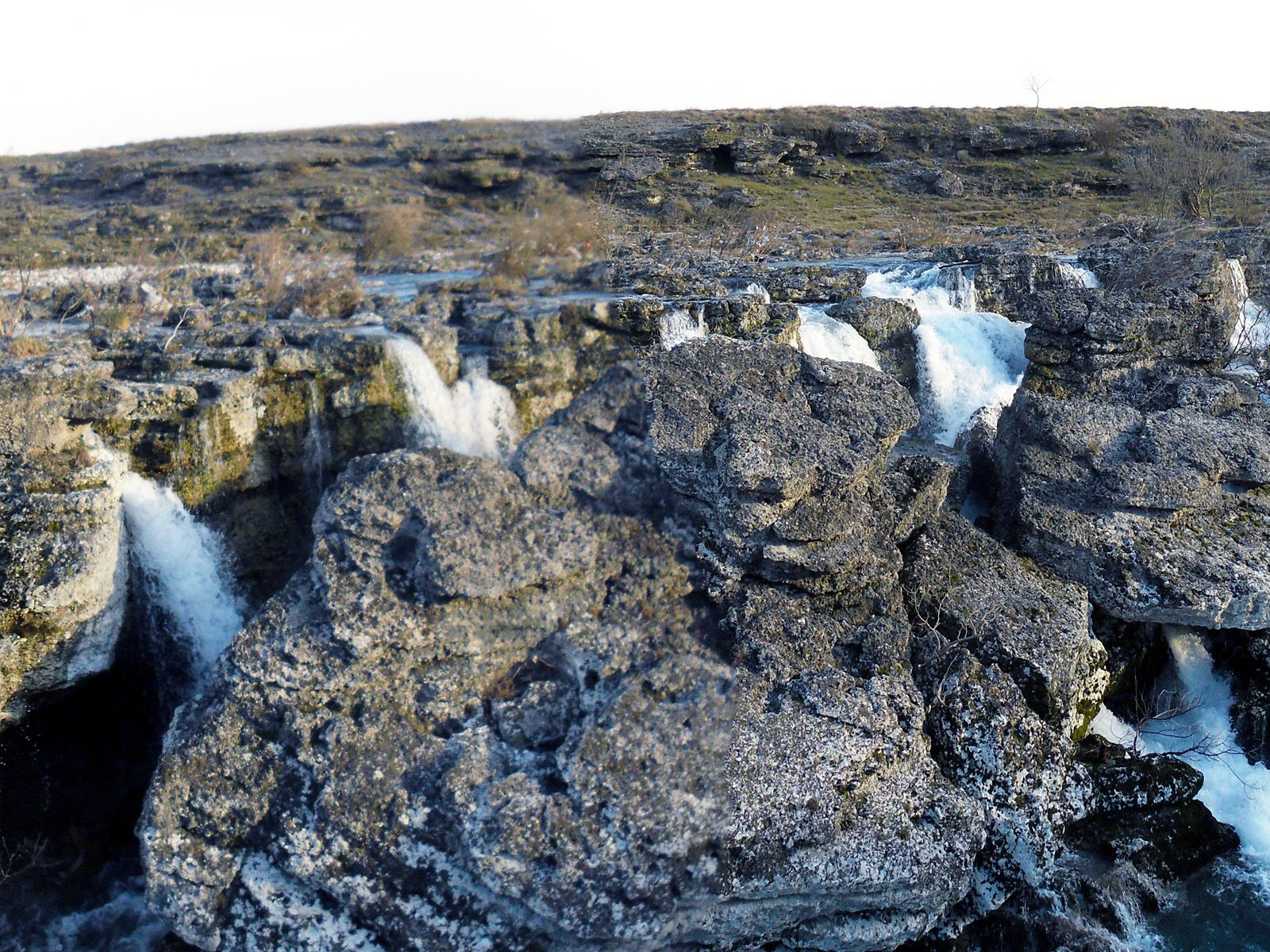 Струи водопада Ниагара на реке Циевна