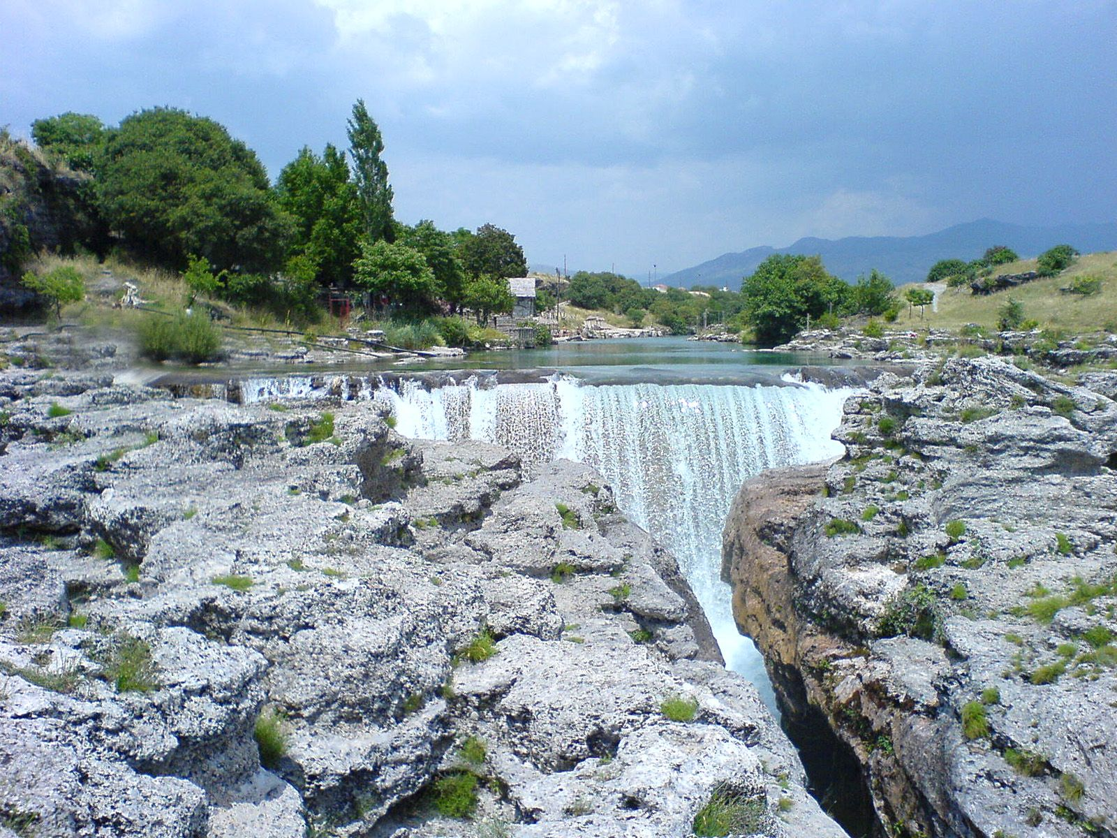 Водопад Ниагара на реке Циевна сверху