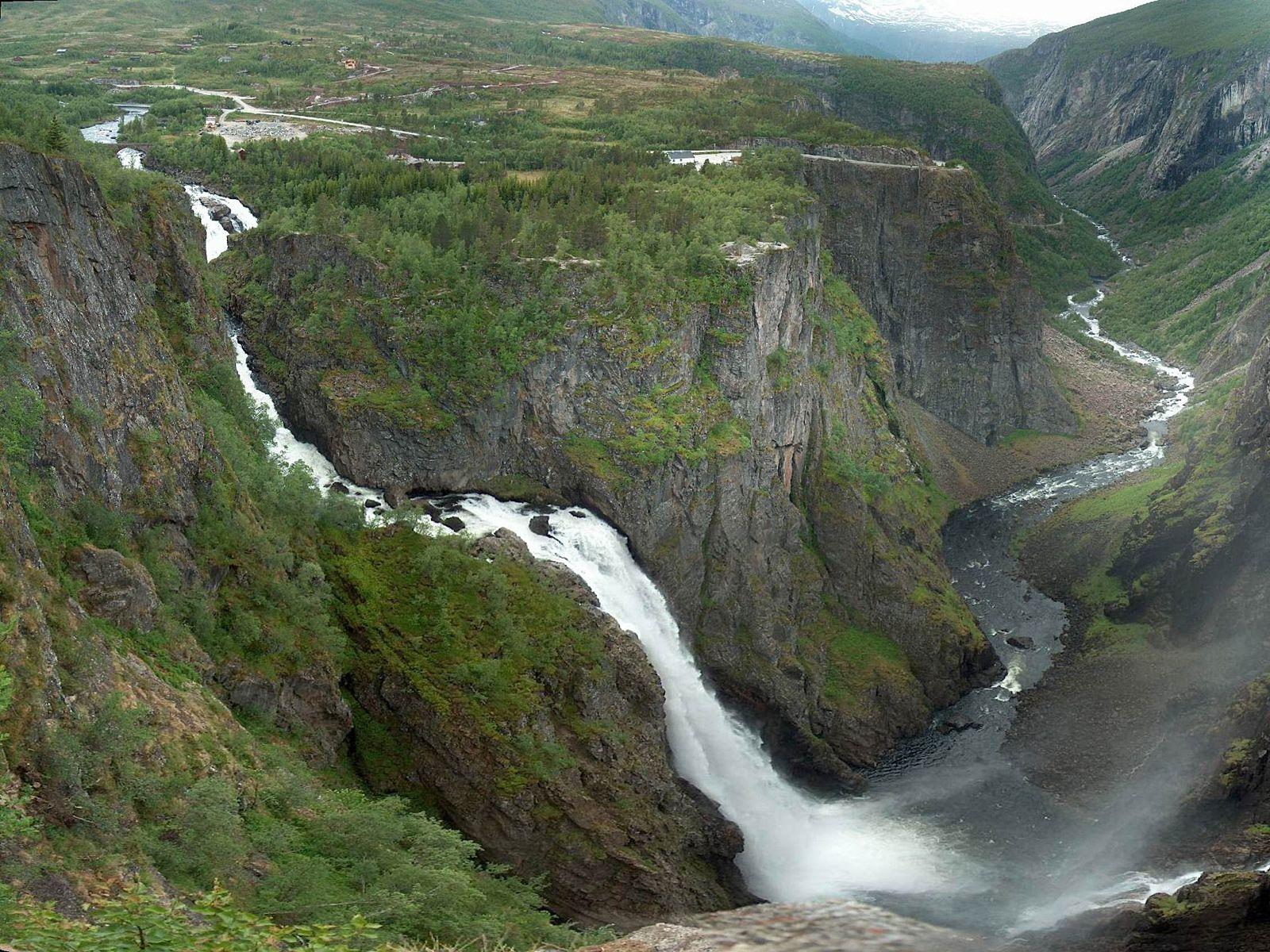 Пейзаж водопада Вёрингсфоссен