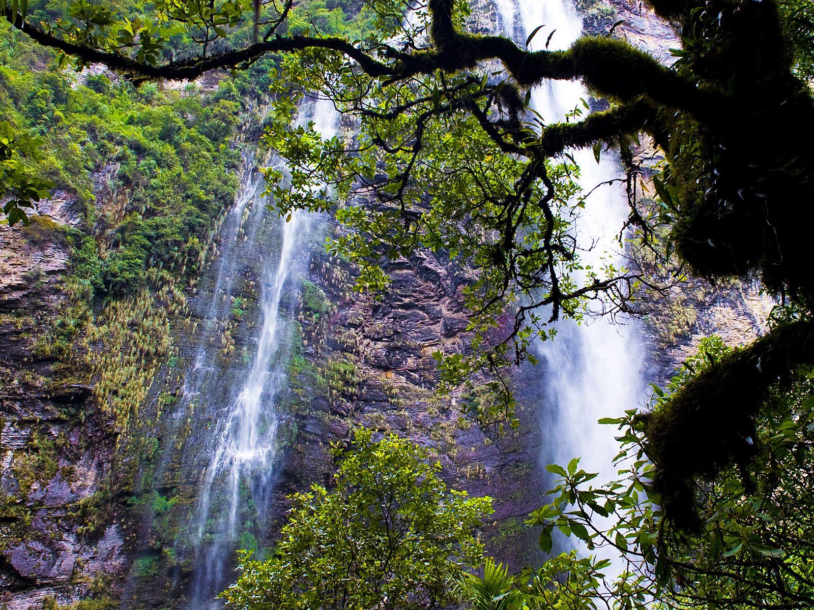 Пейзаж у водопада Гокта