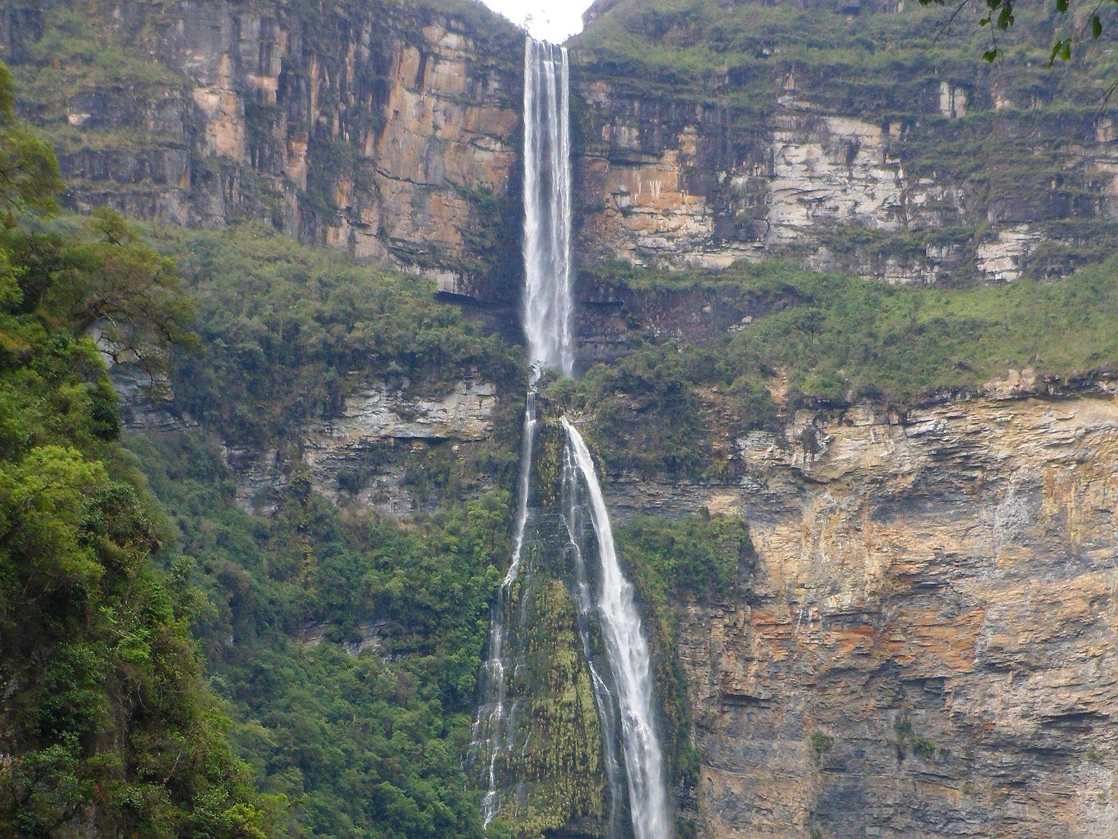 Водопад Гокта вблизи