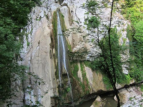 Агурские водопады и Орлиные скалы