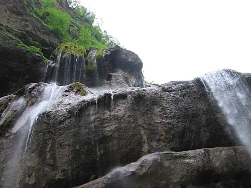 Падение водопада Чегем