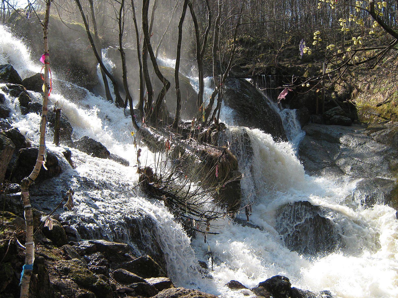 Каскады водопада Кук-Караук