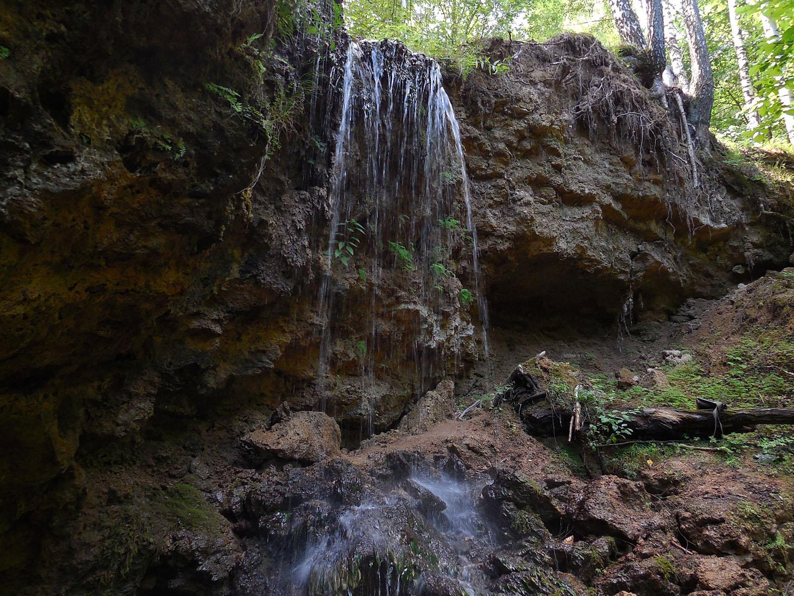 Водопад Серебряный каскад