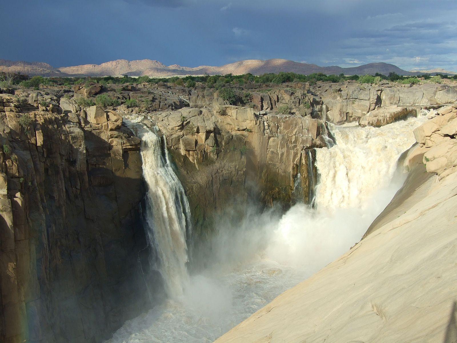 Пейзаж у водопада Ауграбис