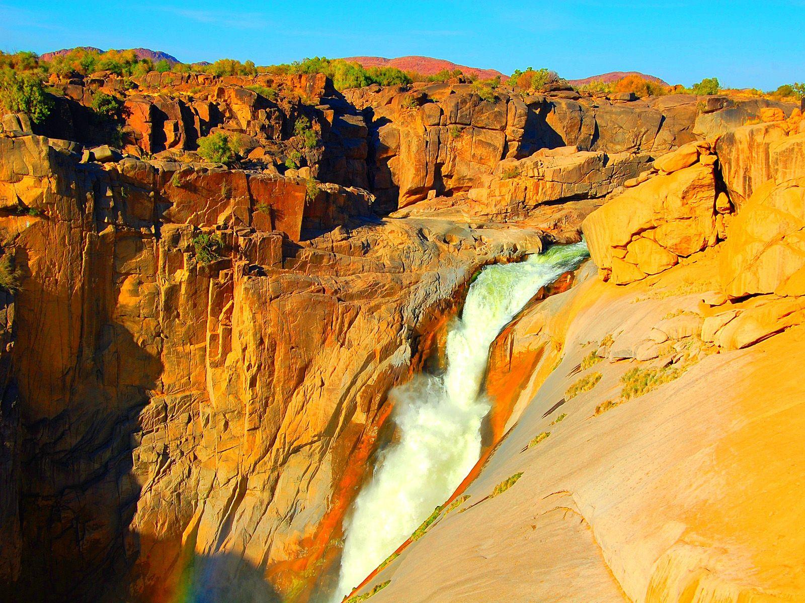 Водопад Ауграбис на закате