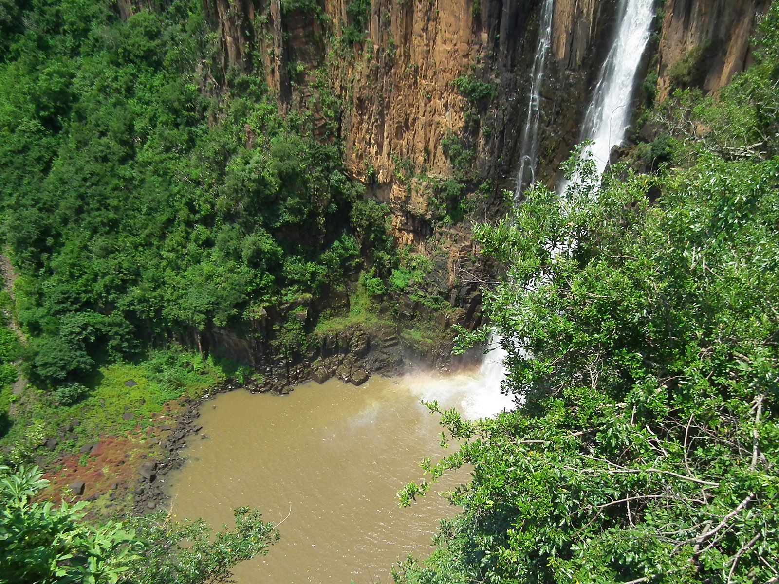 Озерцо у водопада Хоуик