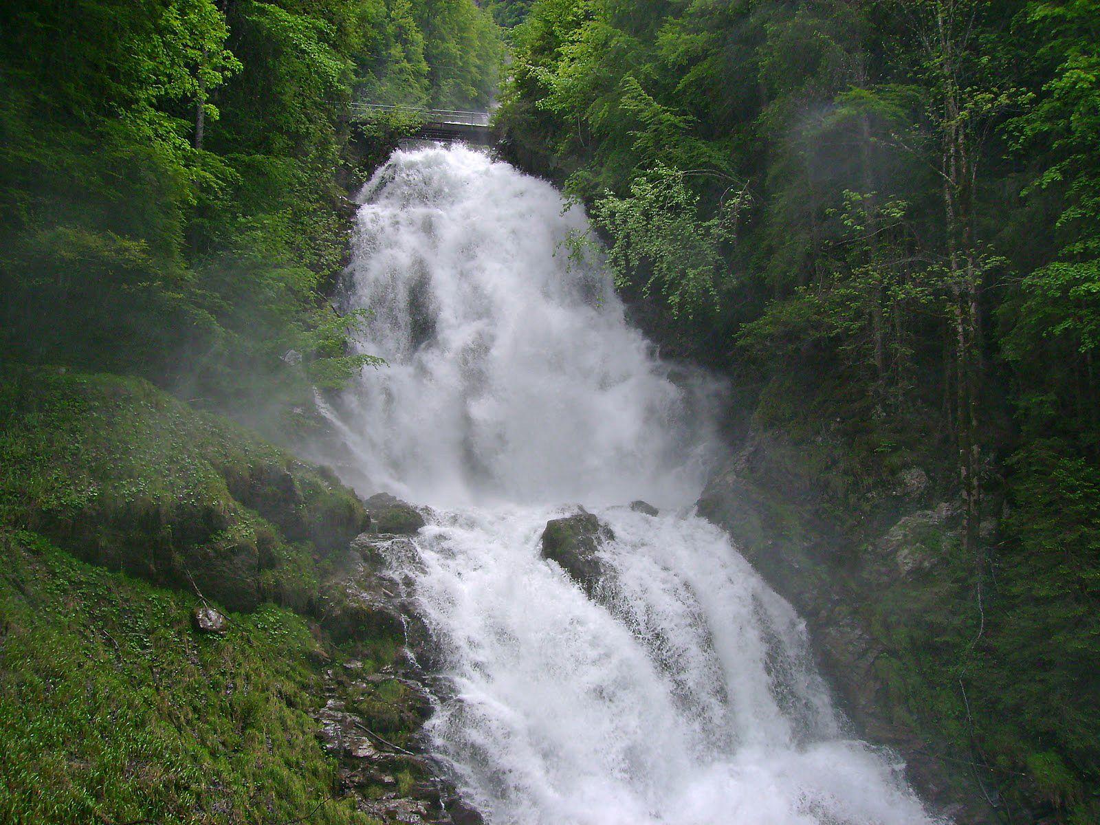 Поток водопада Гиссбах