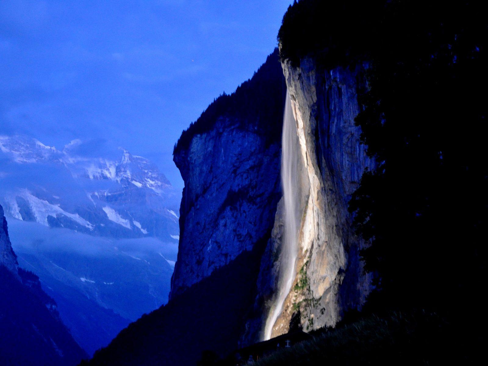 Водопад Штауббах вечером