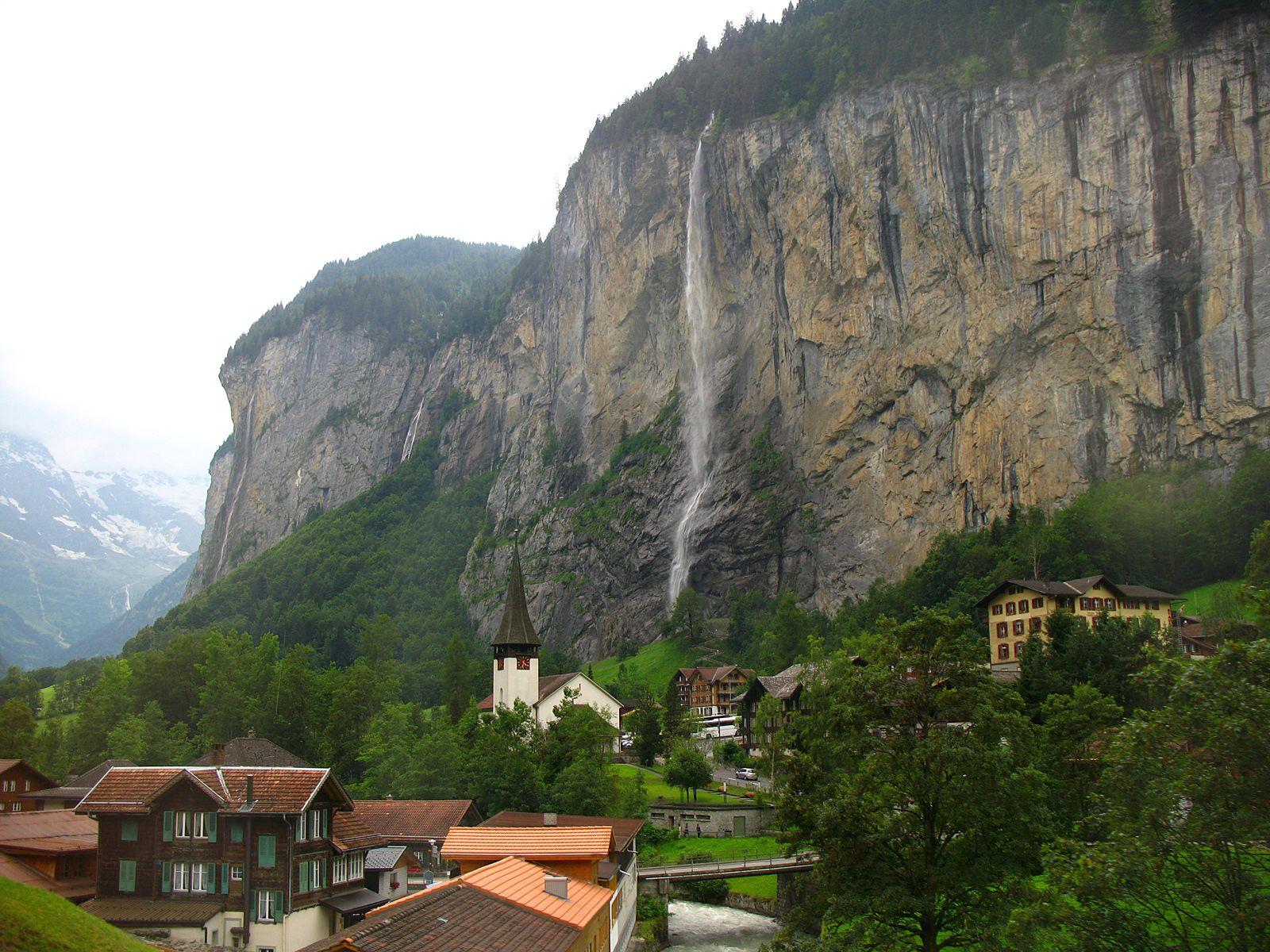 Вид из окна на Штауббах