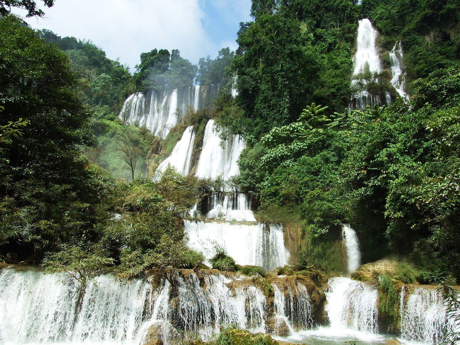 Пейзаж водопада Ти Ло Су