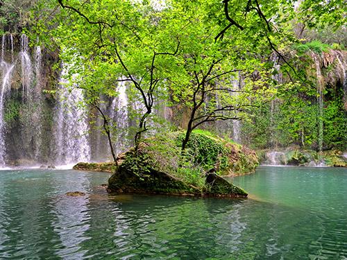 Озеро от водопадов Куршунлу