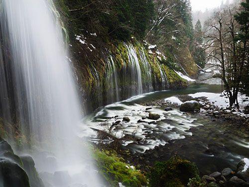 водопад Мосбрай зимой