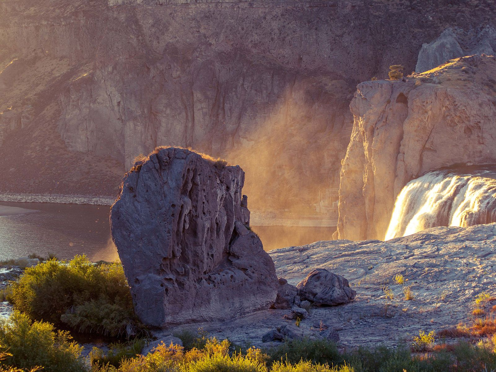 Водопад Шошони с островка