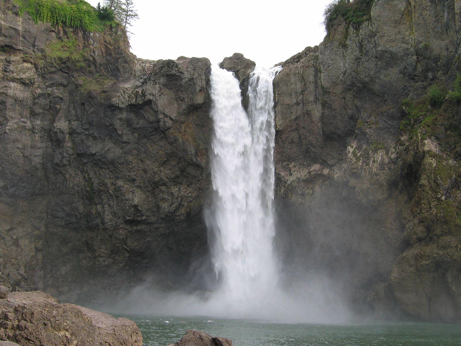 Водопад Сноквалми вблизи