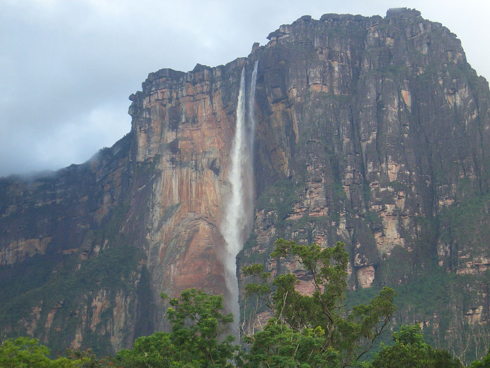 Пейзаж у водопада Анхель