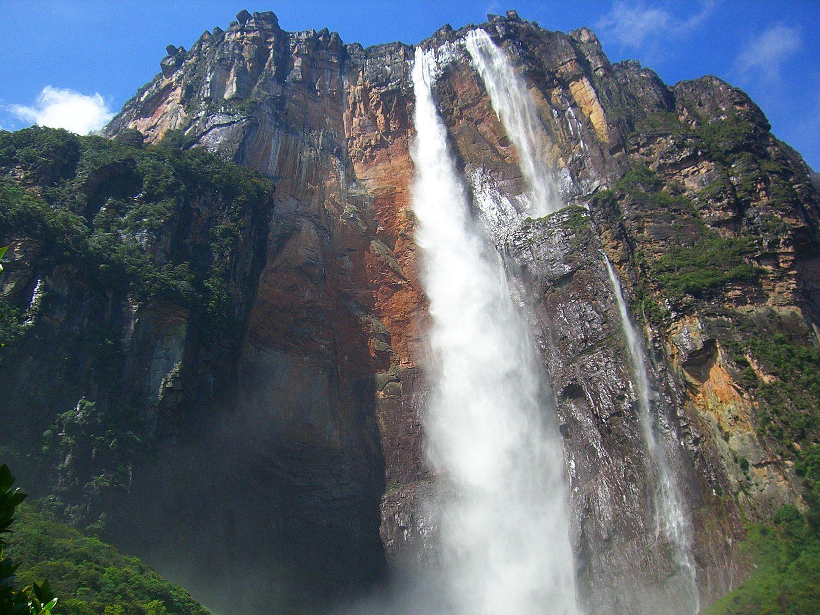 Водопад Анхель снизу