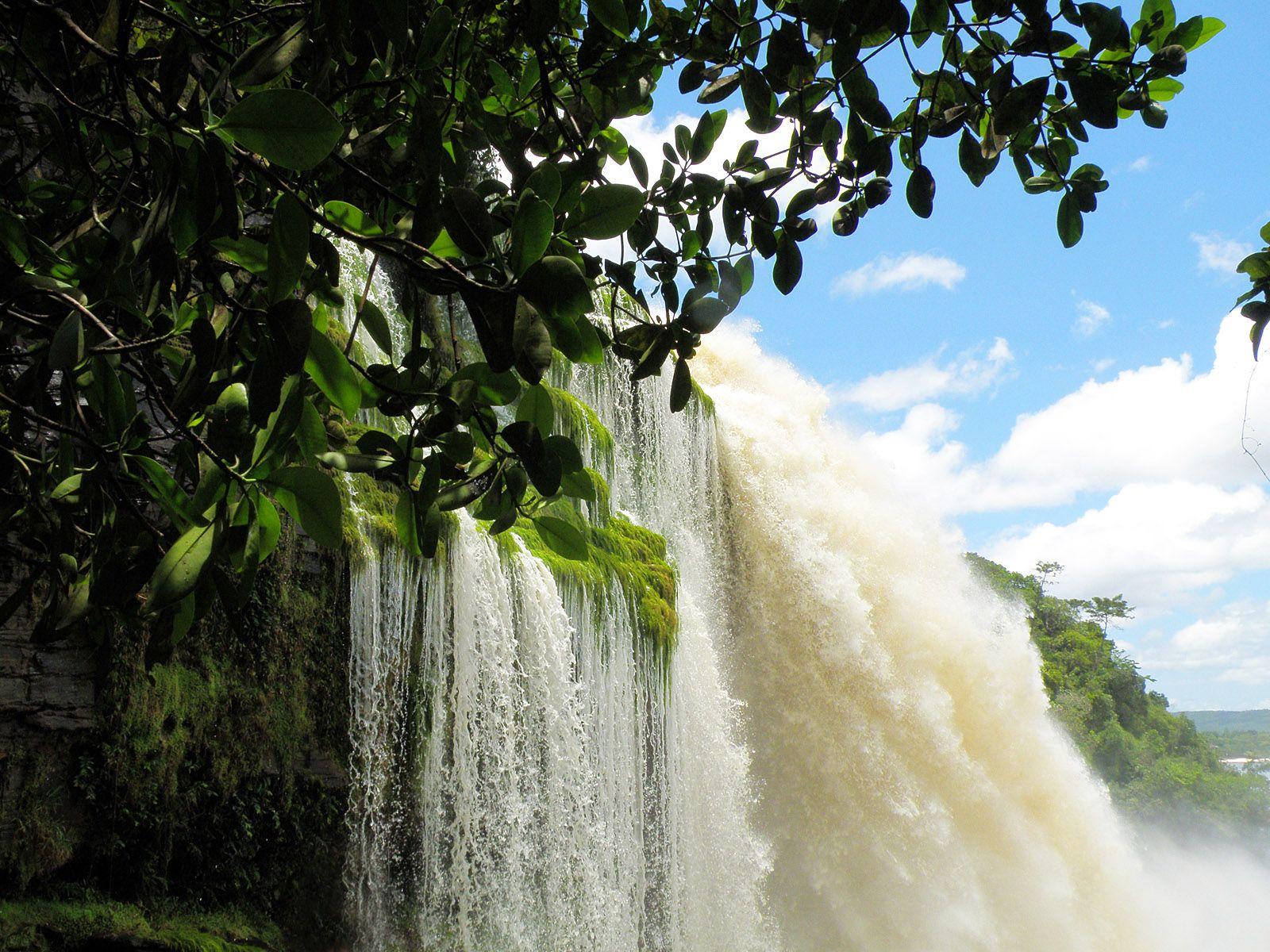 Водопад Сапо вблизи