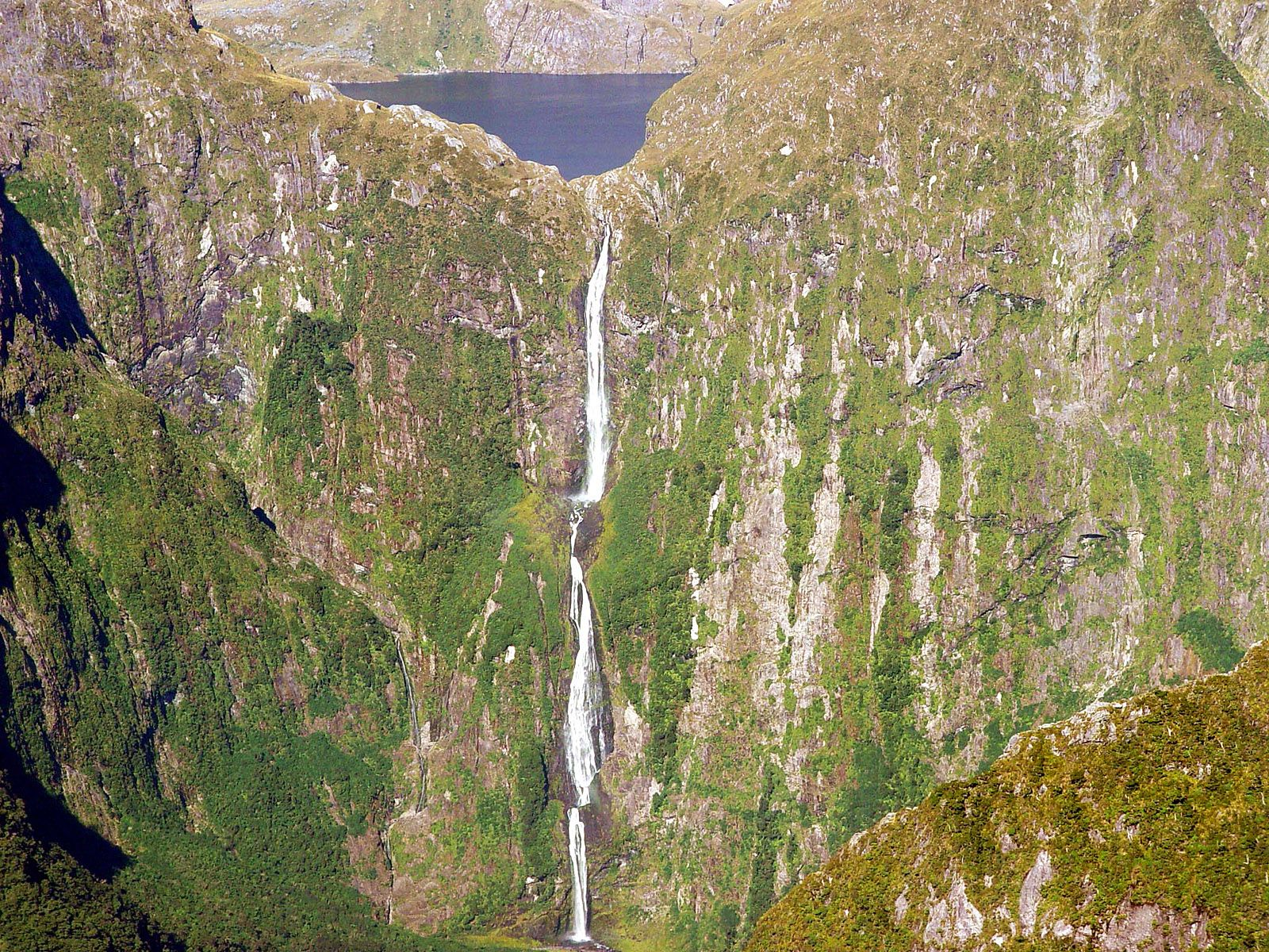 Водопад Сазерленд сверху