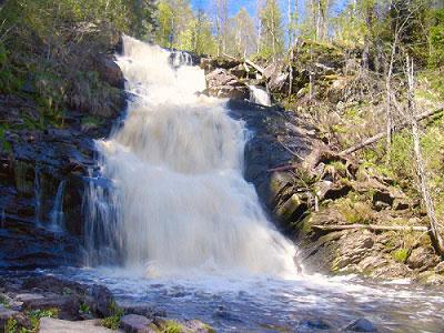 Карельский водопад Белые мосты