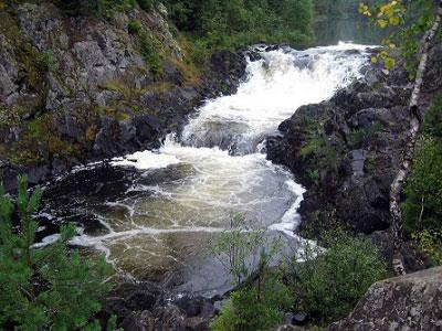 Конкурсное фото водопада Кивач
