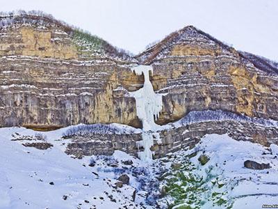 Обледеневшие водопады села Лаза
