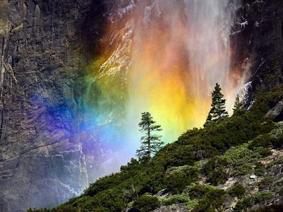 Радуга на водопаде Йосемити