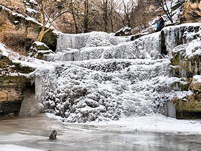 замерзший водопад в Цыпово